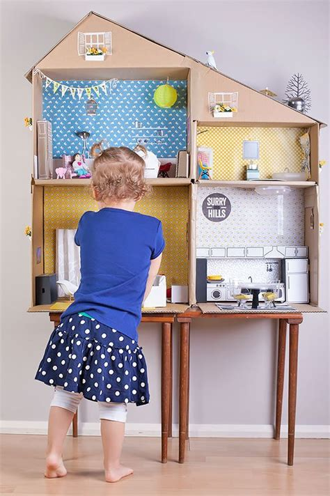 how to make a big doll house out of cardboard best 25 big cardboard boxes ideas on pinterest cardboard boxes for moving