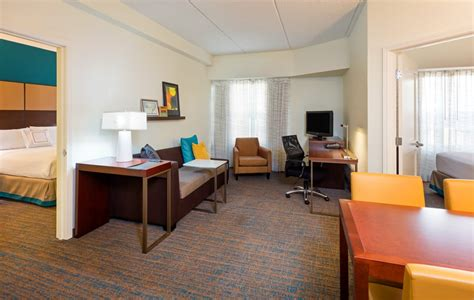 2 bedroom hotel suites in fort lauderdale the two bedroom suite offers a spacious floor plan with