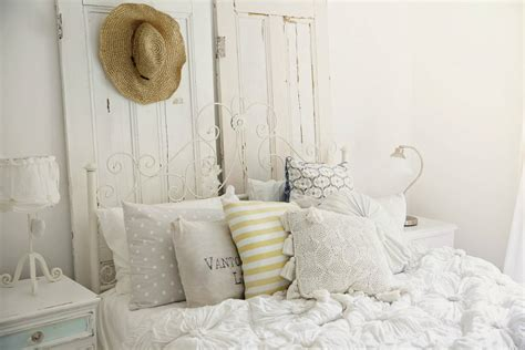 Shabby Cottage Home Decor Changing Up The Bedroom Beach Cottage Style 171 Life By The