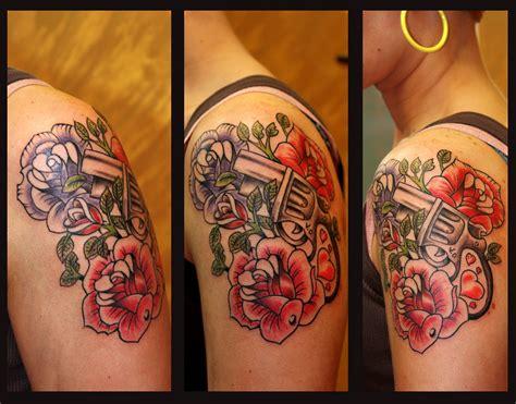 tattoo old school rose significato rocket queen tattoo studio rose