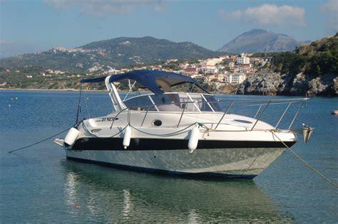 motoscafi cabinati noleggio barche palinuro motoscafi e gommoni per