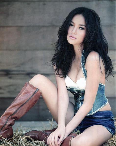 thai girls  christmas thai sirens