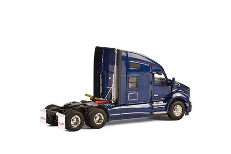 kenworth merchandise usa usa basic line kenworth t680 6x4 dark blue dijkhuis