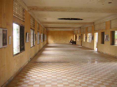 picture of room file big room tuol sleng jpg wikimedia commons