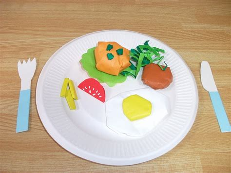 Origami Food - preschool crafts for origami dinner fork knife craft