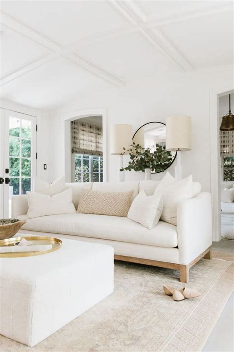 white livingroom 25 best ideas about white living rooms on