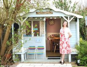 Shabby Chic Shops Online by Think Sheds Are Only A Refuge For Men These Women Built
