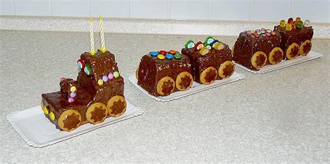 zug kuchen kindergeburtstag schneller zug kuchen rezept mit bild das schessi