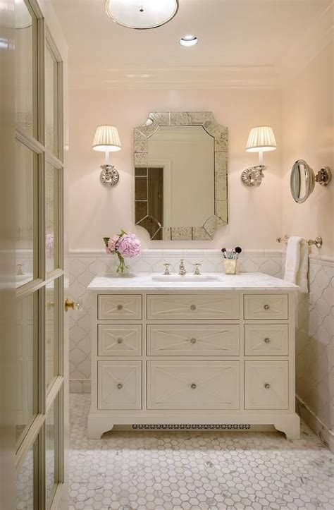 Pink Tile Bathroom Ideas by 25 Best Ideas About Arabesque Tile On