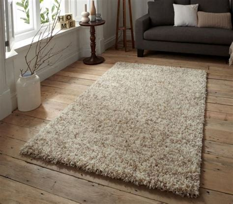 shaggy pile rug 25 best ideas about shag pile rugs on soft rugs flokati rug and plush rugs