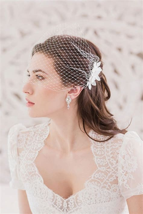 Vintage Style Wedding Hair Accessories Uk by 18 Vintage Wedding Hairstyles Chic Vintage Bridal Hair Curl