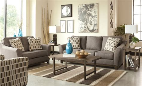 3 small living room layout ideas