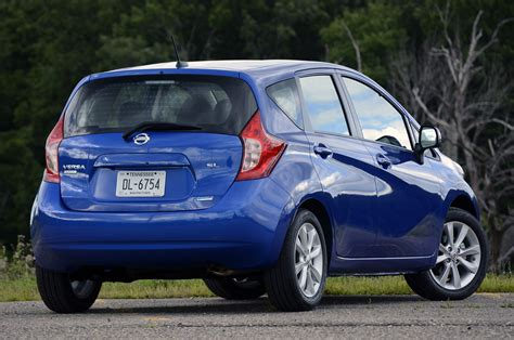 2014 nissan versa note review 2014 nissan versa note review photo gallery autoblog