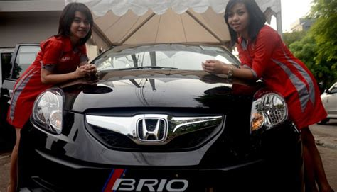 Karpet Honda Brio Satya ready stock honda brio satya black pearl hitam