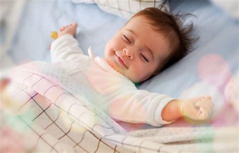 schlafen baby wie schlafen babys ideal tipps f 252 r einen ruhigen babyschlaf