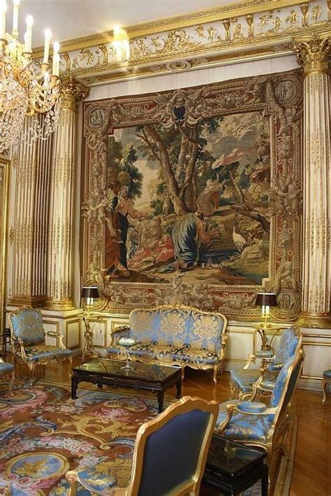 gilded room tapestry  louis xv furniture suite