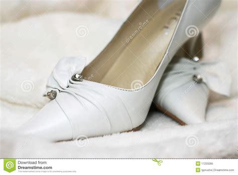 Wei E Hochzeitsschuhe wei 223 e hochzeitsschuhe lizenzfreies stockfoto bild 17233285