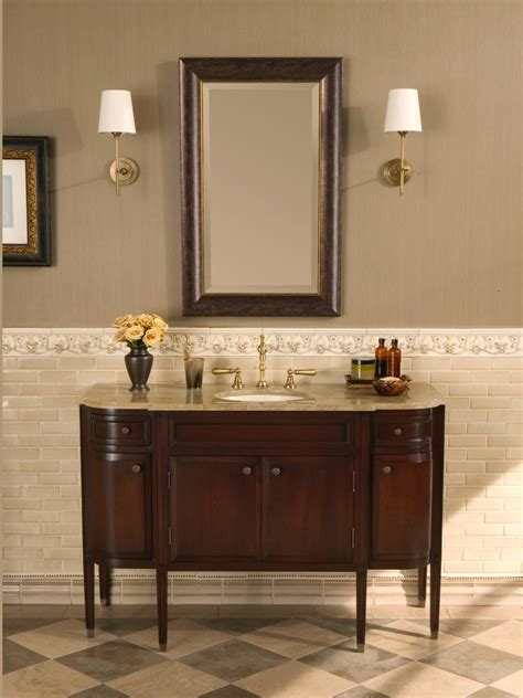 Choosing A Bathroom Vanity Hgtv Traditional Bathroom Light Pulls