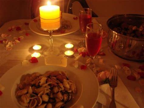 tavola cena romantica proposta di 249 per la cena di san valentino