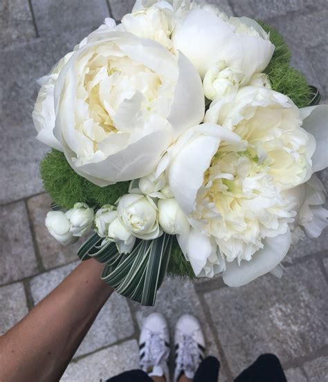 fiori bianchi matrimonio bouquet da sposa weddingbouquet peonia fiori bianchi