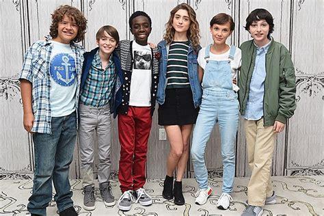 la hair tv show cast members stranger things season 2 will introduce three new characters
