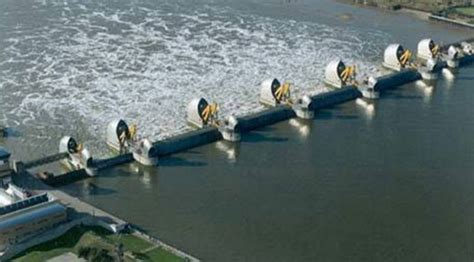 thames barrier london flooding thames barrier sabotage means city of london technically