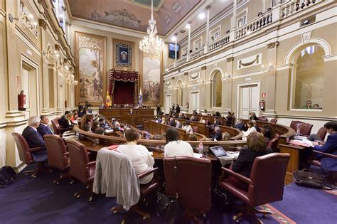 el gobierno de canarias y el parlamento de los pocos que el parlamento solicita al gobierno una evaluaci 243 n del