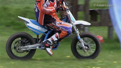 Cross Motorrad Youtube by Kinder Motocross Motorrad Torrot E12 In Action Youtube