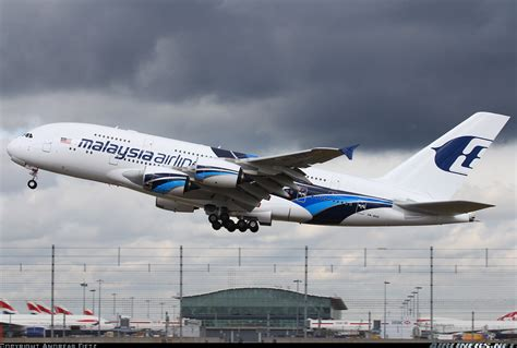 Miniatur Pesawat Malaysia Airline Airbus 380 airbus a380 841 malaysia airlines aviation photo
