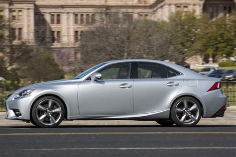 2015 lexus is vs 2015 infiniti q50 which is better