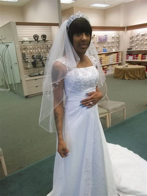 i ll be 8 months by the time this wedding comes this is a size 8 they will my 12