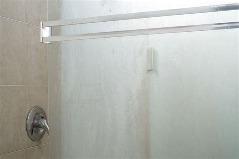 Best Way To Clean Glass Shower Doors The Best Ways To Clean Glass Shower Doors