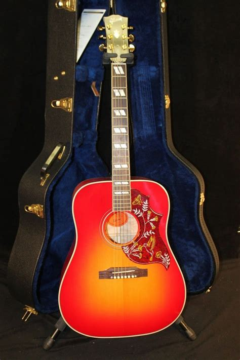 Gibson Hummingbird Quilted Maple by Pin By Cyndi Brown Calkins On Alec S Stuff