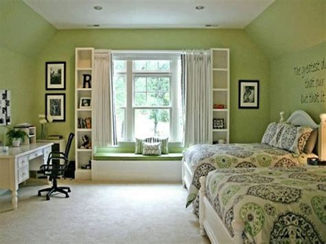 green painted bedrooms bloombety relaxing bedroom green paint color schemes