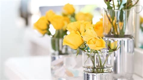 diy flower food to keep your flowers fresh hymns and verses 10 hacks to keep fresh cut flowers last longer hobby lesson