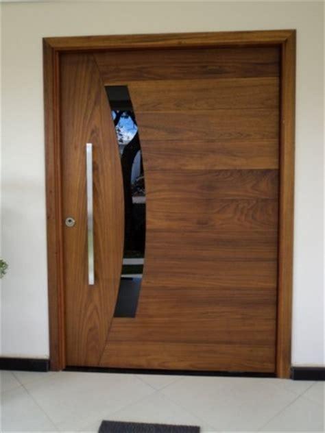 Puertas Exteriores De Aluminio #10: Portas-de-Madeira-6-375x500.jpg