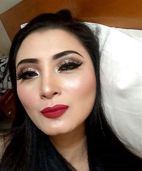 make up bibir tebal saubhaya makeup wajah dela puspita tanpa make up ini bikin heboh mau