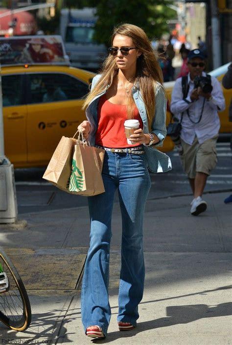 jessica alba flare jeans style watch celebrity streetstyle 25 fab fashion fix