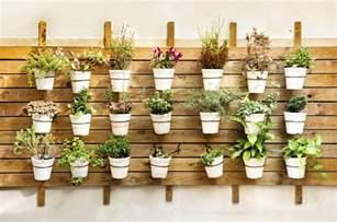 comment d 233 corer sa terrasse avec des pots de jardin design