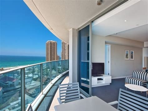 2 bedroom apartments surfers paradise apartment 10803 the hilton surfers paradise qld 4217