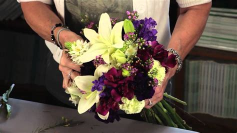 how to make a floral arrangement diana ryan how to create a hand tied mixed flower