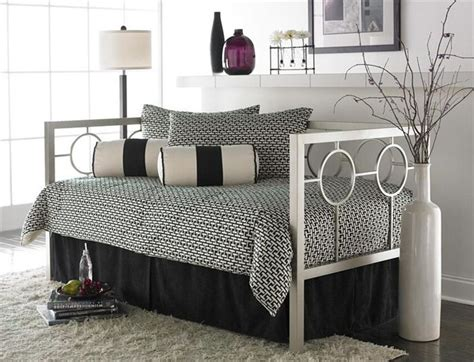 day bed ideas from google images for day bed could not pin it from