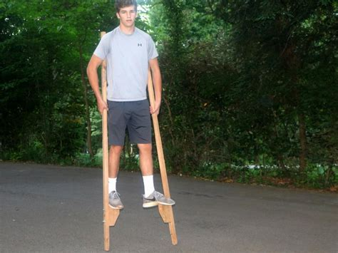 how to make the best of a small bedroom how to make a pair of stilts diy