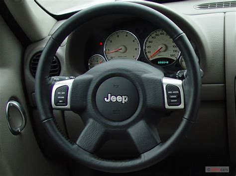 jeep liberty 2002 2005 steering 2004 jeep liberty pictures photos gallery motorauthority