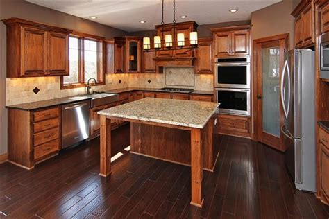 poplar kitchen cabinets poplar cabinets in kitchen kitchens pinterest