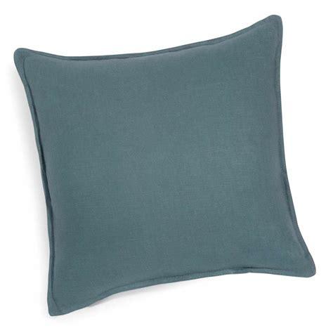 cuscino 60x60 cuscino in lino slavato petrolio 60x60 maisons du monde