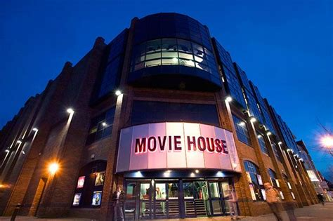 movie house austin moviehouse eatery 274 photos 581 reviews cinema 8300 moviehouse