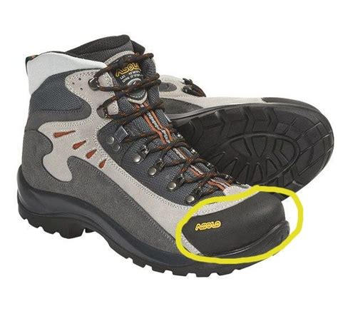 best trekking shoes what are the best trekking shoes for himalayan treks is