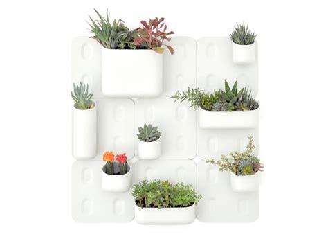 Urbio Wall Garden Jetson Green Urbio Vertical Garden For Urban Dwellers