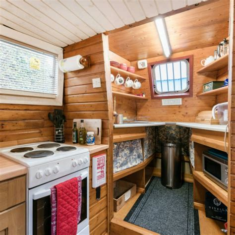 airbnb houseboats   living   floating